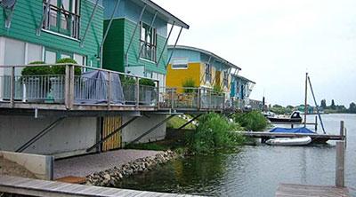 """GreenDesign – สถาปัตยกรรม""""ครึ่งบกครึ่งน้ำ""""สู้ภัยน้ำท่วม"""