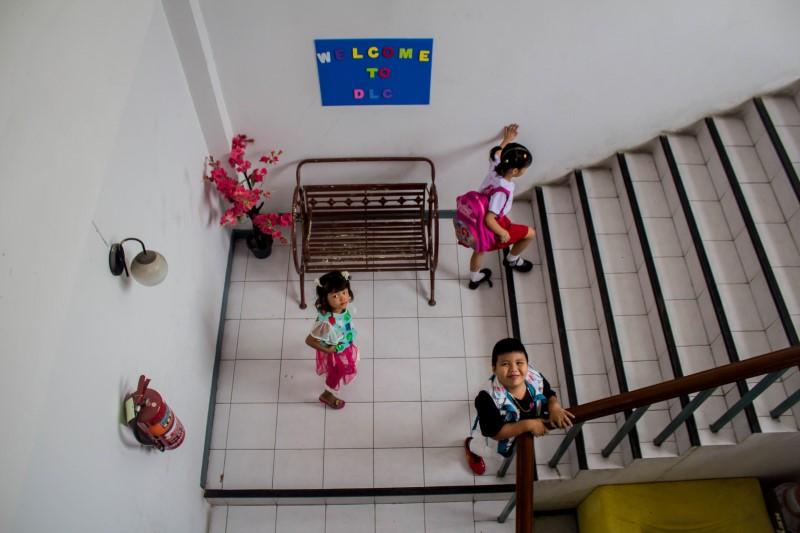 มาผลิบานในบ้านเพื่อน – สำรวจโลกตะปุ่มตะป่ำของนักเรียนเมียนมาแห่งตลาดไท