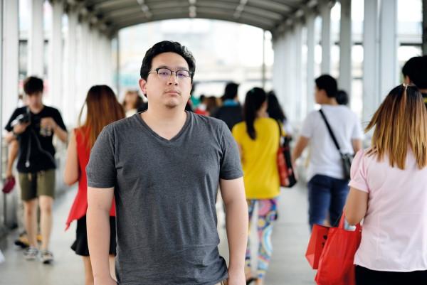 """""""สิ่งแรกที่สังคมไทยต้องทำคือยอมรับความจริง"""" – สัมภาษณ์ กฤดิกร วงศ์สว่างพานิช """"ก่อการร้าย"""" และ """"สังคมไทย"""" ในห้วงวิกฤต"""