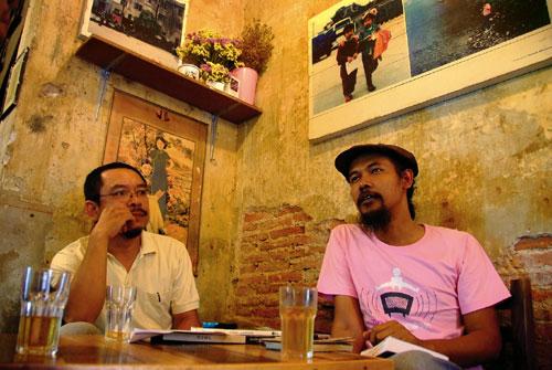 """""""บทสนทนาที่หายไป"""" ในวงการกวีนิพนธ์ไทย ซะการีย์ยา อมตยา, กฤช เหลือลมัย"""