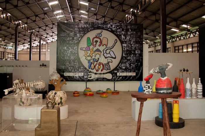 นิทรรศการเด็กฝึกหัตถ์จัดต่อเนื่องมาเป็นปีที่ 4 จากผลงานของเด็กๆนักศึกษาฝึกงานโดยจัดแสดงในโรงงานเถ้าฮงไถ่ ผลงานทุกชิ้นที่สร้างขึ้นเปิดขายให้กับผู้ที่สนใจ รายได้ทั้งหมดจะเป็นทุนในการสร้างสรรค์ผลงานครั้งต่อไป