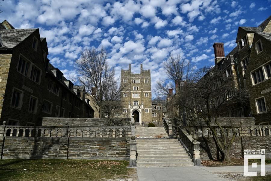 มุมหนึ่งของมหาวิทยาลัยคอร์แนล เมืองอิธากะ มลรัฐนิวยอร์ก สหรัฐอเมริกา ในวันที่ร้างไร้นักศึกษาอันเนื่องมาจากสถานการณ์ระบาดของโคโรนาไวรัส