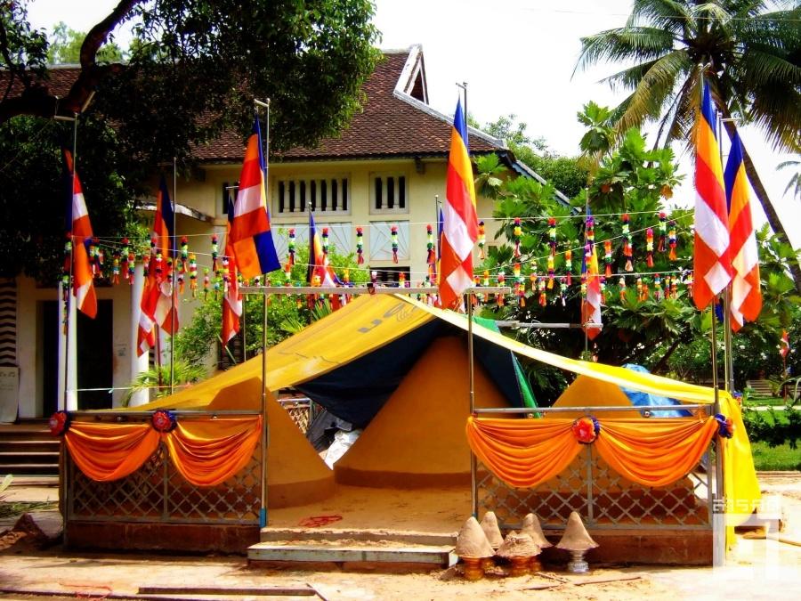 buddhist flag seamreap 1