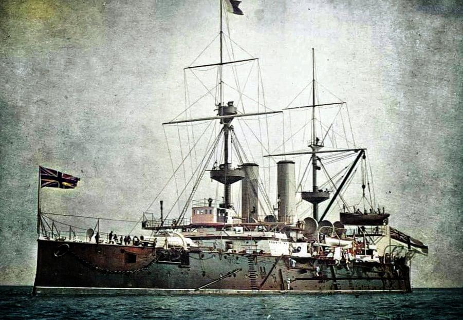 ฝึกงานประจำเรือรบหลวง  HMS Revenge เรือธงประจำกองเรือทะเลเมดิเตอร์เรเนียน
