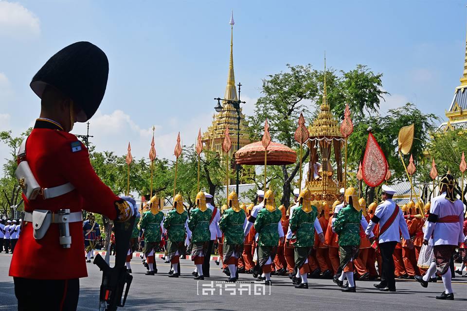 procession09