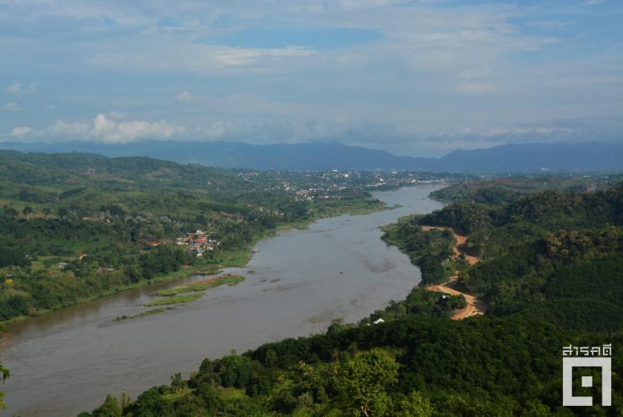 แม่น้ำโขงเป็นพรมแดนระหว่างประเทศไทย-ลาว การระเบิดแก่งนอกจากส่งผลกระทบต่อระบบนิเวศแล้วยังอาจส่งผลทางกายภาพต่อแม่น้ำในส่วนที่เป็นเส้นเขตแดนระหว่างประเทศ (ภาพ : ฐิติพันธ์ พัฒนมงคล)